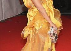 Η Τζένιφερ Λόπεζ μέσα στο κίτρινο φόρεμα -υπερπαραγωγή με κοντό καρέ μαλλί & πόζες με τον αρραβωνιαστικό (φώτο) - Κυρίως Φωτογραφία - Gallery - Video 7