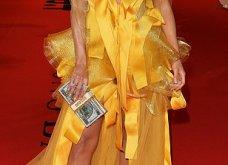 Η Τζένιφερ Λόπεζ μέσα στο κίτρινο φόρεμα -υπερπαραγωγή με κοντό καρέ μαλλί & πόζες με τον αρραβωνιαστικό (φώτο) - Κυρίως Φωτογραφία - Gallery - Video 8