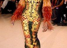 Τα έδωσε όλα η Ναόμι Κάμπελ στην επίδειξη μόδας για φιλανθρωπικό σκοπό - Η κεντρική πασαρέλα (φώτο) - Κυρίως Φωτογραφία - Gallery - Video 5