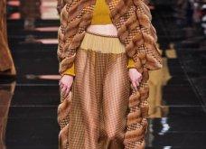 Ο οίκος Fendi παρουσίασε την Haute Couture συλλογή Φθινόπωρο/Χειμώνας 2019-'20 στο Μιλάνο! (φωτό)  - Κυρίως Φωτογραφία - Gallery - Video 13