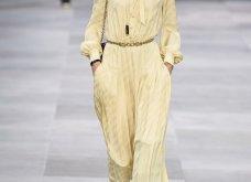 H επίδειξη μόδας της Celine, στο Παρίσι απέδειξε ότι οι Γάλλοι σε ντύνουν σικ ακόμα και με τζιν (φώτο) - Κυρίως Φωτογραφία - Gallery - Video 4