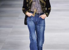 H επίδειξη μόδας της Celine, στο Παρίσι απέδειξε ότι οι Γάλλοι σε ντύνουν σικ ακόμα και με τζιν (φώτο) - Κυρίως Φωτογραφία - Gallery - Video 17