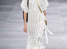 H επίδειξη μόδας της Celine, στο Παρίσι απέδειξε ότι οι Γάλλοι σε ντύνουν σικ ακόμα και με τζιν (φώτο) - Κυρίως Φωτογραφία - Gallery - Video 29