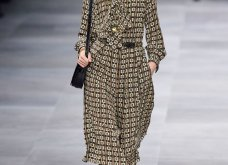 H επίδειξη μόδας της Celine, στο Παρίσι απέδειξε ότι οι Γάλλοι σε ντύνουν σικ ακόμα και με τζιν (φώτο) - Κυρίως Φωτογραφία - Gallery - Video 32