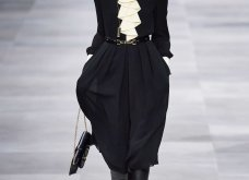 H επίδειξη μόδας της Celine, στο Παρίσι απέδειξε ότι οι Γάλλοι σε ντύνουν σικ ακόμα και με τζιν (φώτο) - Κυρίως Φωτογραφία - Gallery - Video 35