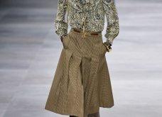H επίδειξη μόδας της Celine, στο Παρίσι απέδειξε ότι οι Γάλλοι σε ντύνουν σικ ακόμα και με τζιν (φώτο) - Κυρίως Φωτογραφία - Gallery - Video 37