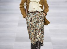 H επίδειξη μόδας της Celine, στο Παρίσι απέδειξε ότι οι Γάλλοι σε ντύνουν σικ ακόμα και με τζιν (φώτο) - Κυρίως Φωτογραφία - Gallery - Video 41