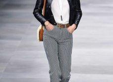 H επίδειξη μόδας της Celine, στο Παρίσι απέδειξε ότι οι Γάλλοι σε ντύνουν σικ ακόμα και με τζιν (φώτο) - Κυρίως Φωτογραφία - Gallery - Video 42
