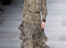 H επίδειξη μόδας της Celine, στο Παρίσι απέδειξε ότι οι Γάλλοι σε ντύνουν σικ ακόμα και με τζιν (φώτο) - Κυρίως Φωτογραφία - Gallery - Video 49