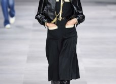H επίδειξη μόδας της Celine, στο Παρίσι απέδειξε ότι οι Γάλλοι σε ντύνουν σικ ακόμα και με τζιν (φώτο) - Κυρίως Φωτογραφία - Gallery - Video 51