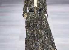 H επίδειξη μόδας της Celine, στο Παρίσι απέδειξε ότι οι Γάλλοι σε ντύνουν σικ ακόμα και με τζιν (φώτο) - Κυρίως Φωτογραφία - Gallery - Video 53