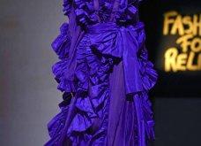 Τα έδωσε όλα η Ναόμι Κάμπελ στην επίδειξη μόδας για φιλανθρωπικό σκοπό - Η κεντρική πασαρέλα (φώτο) - Κυρίως Φωτογραφία - Gallery - Video 20