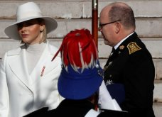 Όλη, μα όλη η πριγκιπική οικογένεια του Μονακό: Η Σαρλίν στα λευκά έκλεψε τα βλέμματα - Γερασμένες η Καρολίνα & η Στεφανί (φώτο) - Κυρίως Φωτογραφία - Gallery - Video