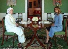 """Συνάντηση Τραμπ- Ερντογάν: Φιλοφρονήσεις & """"μπηχτές"""" - Στα λευκά η Εμινέ - Με σιέλ παλτό 2.295 δολαρίων η Μελάνια (φώτο-βίντεο) - Κυρίως Φωτογραφία - Gallery - Video 14"""