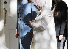 """Συνάντηση Τραμπ- Ερντογάν: Φιλοφρονήσεις & """"μπηχτές"""" - Στα λευκά η Εμινέ - Με σιέλ παλτό 2.295 δολαρίων η Μελάνια (φώτο-βίντεο) - Κυρίως Φωτογραφία - Gallery - Video 16"""