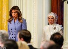 """Συνάντηση Τραμπ- Ερντογάν: Φιλοφρονήσεις & """"μπηχτές"""" - Στα λευκά η Εμινέ - Με σιέλ παλτό 2.295 δολαρίων η Μελάνια (φώτο-βίντεο) - Κυρίως Φωτογραφία - Gallery - Video 17"""