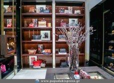 CH Carolina Herrera: Η παρουσίαση της Φθινοπωρινής - Χειμερινής συλλογής στο κατάστημα του οίκου στο Golden Hall - Κυρίως Φωτογραφία - Gallery - Video