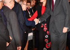 Η βασίλισσα της Ισπανίας Λετίσια στη Σεβίλλη: Υπέροχο μαύρο-κόκκινο look - αφιέρωμα στην Ανδαλουσία (φώτο)   - Κυρίως Φωτογραφία - Gallery - Video 3