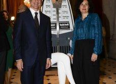 Ο Γιώργος Αρχιμανδρίτης αξιωματούχος των γαλλικών γραμμάτων & τεχνών - Στην τελετή η Μαρέβα Μητσοτάκη & η Φοίβη Αγγελοπούλου (φώτο) - Κυρίως Φωτογραφία - Gallery - Video 7