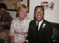 1960: Ο μαύρος Σάμι Ντέιβις παντρεύεται την κατάξανθη Σουηδέζα του May Britt - Σάλος αφού απαγορεύονταν οι γάμοι λευκών με μαύρους (φώτο) - Κυρίως Φωτογραφία - Gallery - Video 7