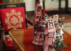 Η Melania Trump μας εύχεται... καλά Χριστούγεννα: Στόλισε τον Λευκό Οίκο με χιλιάδες δένδρα, φωτάκια & πολλά λουλούδια - Φώτο & Βίντεο  - Κυρίως Φωτογραφία - Gallery - Video 5