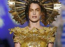 """Grand Finale"" για τον Ζαν Πολ Γκοτιέ - Το ""κακό παιδί"" της μόδας ανακοίνωσε το τελευταίο ντεφιλέ - Οι πιο εντυπωσιακές στιγμές στην πασαρέλα σε 45 φώτο - Κυρίως Φωτογραφία - Gallery - Video 38"
