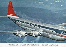 Vintage pics που εκπλήσσουν: Επιβάτες στην πρώτη θέση Boeing του 1947 – Κουβερτούλα, περιοδικό & πλένουν δοντάκια - Κυρίως Φωτογραφία - Gallery - Video 4