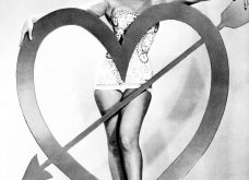 H Μarilyn Monroe ποζάρει για την Ημέρα του Αγίου Βαλεντίνου  - Vintage ωραίες φωτό με θέμα We're not Μarried - Κυρίως Φωτογραφία - Gallery - Video 4