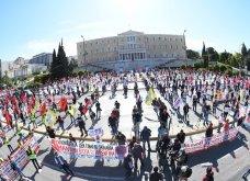 Πρωτομαγιά 2020 με κορωνοϊό: Εντυπωσιακή συγκέντρωση του ΠΑΜΕ στο Σύνταγμα - Σε απόσταση δύο μέτρων οι συμμετέχοντες (φωτό - βίντεο)  - Κυρίως Φωτογραφία - Gallery - Video