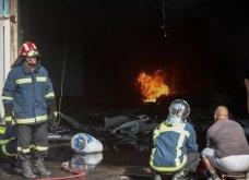 Σε εξέλιξη πυρκαγιά σε εργοστάσιο πλαστικών στη Μεταμόρφωση -Ισχυρές εκρήξεις & μαύρος καπνός - Δείτε φωτό   - Κυρίως Φωτογραφία - Gallery - Video 6