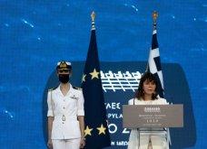 Πρόεδρος Σακελλαροπούλου, Πρωθυπουργός & Μαρέβα, Μαρ. Βαρδινογιάννη στα 2.500  χρόνια από τη μάχη Θερμοπυλών & τη ναυμαχία Σαλαμίνας  - Κυρίως Φωτογραφία - Gallery - Video 2