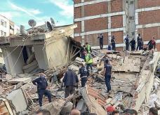 Σεισμός: Δύο νεκροί μαθητές λυκείου στην Σάμο - Τουλάχιστον 12 οι νεκροί στην Σμύρνη & 400 τραυματίες  (φωτό - βίνεο) - Κυρίως Φωτογραφία - Gallery - Video