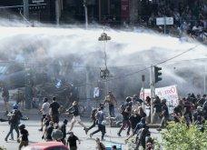 Δίκη Χρυσής Αυγής: Σοβαρά επεισόδια με μολότοφ και πετροπόλεμο – Αστυνομικοί με κουκουλοφόρους - Κυρίως Φωτογραφία - Gallery - Video 3