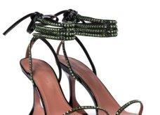 Παραμυθένια! Αυτά είναι τα πιο όμορφα βραδινά παπούτσια του 2020 - Τα υπογράφουν μεγάλοι οίκοι μόδας (φώτο) - Κυρίως Φωτογραφία - Gallery - Video 22