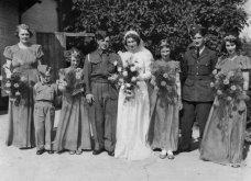 Γάμος εν καιρώ πολέμου: Έτσι ήταν οι νύφες το 1940 - Άλλες με μακριά φουστάνια και πέπλα & άλλες με απλά φορέματα (φωτό) - Κυρίως Φωτογραφία - Gallery - Video 3