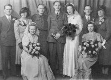 Γάμος εν καιρώ πολέμου: Έτσι ήταν οι νύφες το 1940 - Άλλες με μακριά φουστάνια και πέπλα & άλλες με απλά φορέματα (φωτό) - Κυρίως Φωτογραφία - Gallery - Video 7