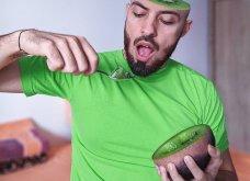 Ρουμάνος καλλιτέχνης κατατρομάζει & εντυπωσιάζει το διαδίκτυο - Τα σουρεάλ photoshops με τον ίδιο του τον εαυτό (φωτό) - Κυρίως Φωτογραφία - Gallery - Video 5