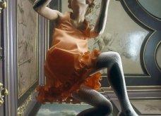 Η μόδα των 60ς μέσα από τον φακό του Hans Dukkers: Κομψές γυναίκες, χρωματιστά outfits και σουρεάλ εικόνες (φωτό) - Κυρίως Φωτογραφία - Gallery - Video 16