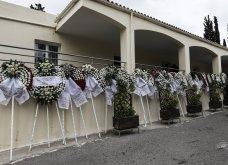 Το «τελευταίο αντίο» στον Αντώνη Καλογιάννη - Θλίψη στην κηδεία του γνωστού ερμηνευτή (φωτό & βίντεο) - Κυρίως Φωτογραφία - Gallery - Video 4
