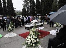 Το «τελευταίο αντίο» στον Αντώνη Καλογιάννη - Θλίψη στην κηδεία του γνωστού ερμηνευτή (φωτό & βίντεο) - Κυρίως Φωτογραφία - Gallery - Video 9