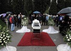 Το «τελευταίο αντίο» στον Αντώνη Καλογιάννη - Θλίψη στην κηδεία του γνωστού ερμηνευτή (φωτό & βίντεο) - Κυρίως Φωτογραφία - Gallery - Video