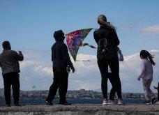 Όμορφες εικόνες από το πέταγμα του χαρταετού: Από τις παραλίες της Αττικής μέχρι τον λόφο Φιλοπάππου & το Σταύρος Νιάρχος - Κυρίως Φωτογραφία - Gallery - Video 2