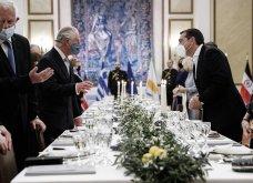 Η Royal blue τουαλέτα της Μαρέβας -το dark blue βελούδο της Προέδρου -Με grecian έμπνευση Καμίλα & Γιάννα - Όλες οι φώτο από το επίσημο δείπνο στο Προεδρικό Μέγαρο   - Κυρίως Φωτογραφία - Gallery - Video