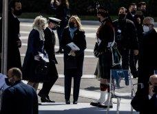 """Με κομψό μπλε σύνολο η Μαρέβα Μητσοτάκη στην παρέλαση της 25ης Μαρτίου - """"Minimal Chic"""" εμφάνιση για τη σύζυγο του πρωθυπουργού (φώτο) - Κυρίως Φωτογραφία - Gallery - Video 6"""