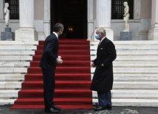 Μέγαρο Μαξίμου: Συνάντηση του πρωθυπουργού Κυριάκου Μητσοτάκη με τον πρίγκιπα Κάρολο - ''Είμαι πολύ χαρούμενος που καταφέρατε να έρθετε & παρακολουθήσατε την παρέλαση'' - Κυρίως Φωτογραφία - Gallery - Video 4