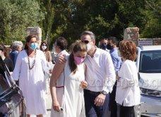 Χανιά: Όλη η οικογένεια του πρωθυπουργού στο μνημόσυνο για τα 4 χρόνια από το θάνατο του Κων. Μητσοτάκη - Συγκινημένες Ντόρα & Μαρέβα (φώτο-βίντεο) - Κυρίως Φωτογραφία - Gallery - Video 22