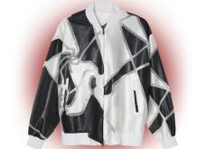 """Η Cruella  επέστρεψε στη μεγάλη οθόνη & οι σχεδιαστές εμπνέονται από την γκαρνταρόμπα της- Τα """"must have"""" ρούχα & αξεσουάρ για το De Vil style (φώτο)  - Κυρίως Φωτογραφία - Gallery - Video 12"""