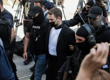 Στον Εισαγγελέα ο  δολοφόνος της Καρολάιν - Ψυχρός σαν πάγος ο συζυγοκτόνος με αλεξίσφαιρο γιλέκο  (φώτο-βίντεο)  - Κυρίως Φωτογραφία - Gallery - Video 14