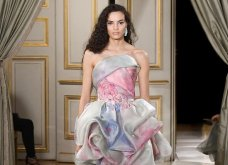 Giorgio Armani Prive: Απίθανες δημιουργίες με λαμπερό μετάξι ή σατέν σε απροσδόκητα χρώματα - η νέα haute couture κολεξιόν (φωτό & βίντεο) - Κυρίως Φωτογραφία - Gallery - Video