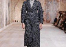 Η νέα κολεξιόν υψηλής ραπτικής του Dior: Αιθέριες τουαλέτες, πλισέ φούστες, πλεκτά - μέσα από το μουσείο Rodin στο Παρίσι (φωτό & βίντεο) - Κυρίως Φωτογραφία - Gallery - Video 7